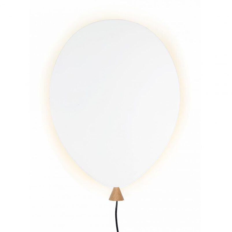 Baltas sieninis balionėlio formos šviestuvas vaikų kambariui