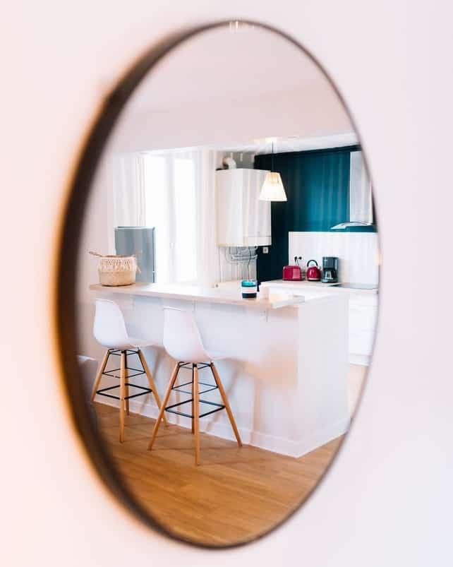Kaip sukurti erdvės veidrodžio pagalba?