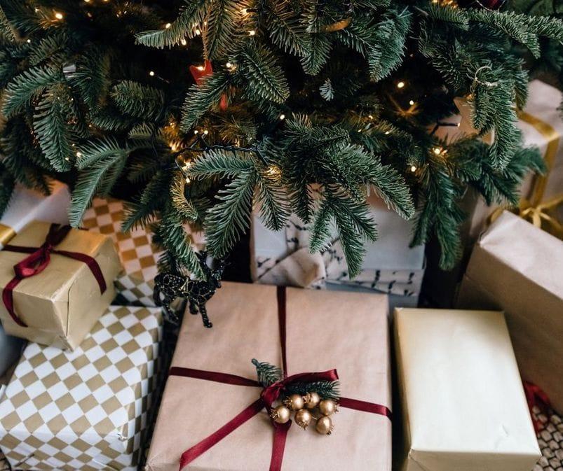 Kalėdinės dekoracijos - dovanų popierius