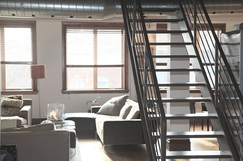 lofto apšvietimas