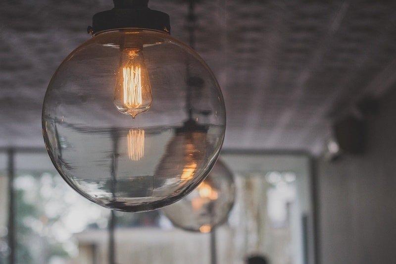Šiuolaikinio meno ir LED apšvietimo technologijų derinys